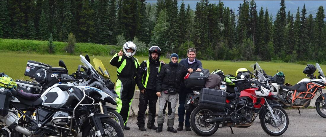 moto tours family with motorcycles